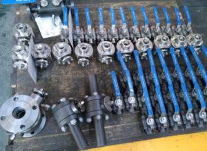 带有伪造件的钢制钢球阀焊接,杠杆操作的承插焊和NPT连接实心球